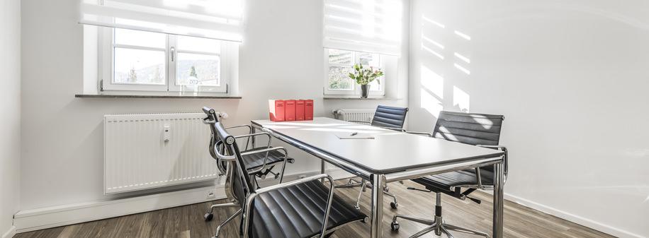 geh rt eine teilweise betrieblich genutzte garage zum. Black Bedroom Furniture Sets. Home Design Ideas